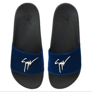 giuseppe zanotti • NEW • blue velvet slide